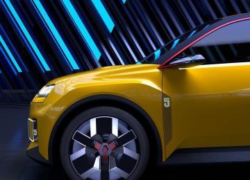 Renault 5 électrique face avant détail des jantes et ailes avec LED - Garage Roda Auto (Nîmes - Alès)